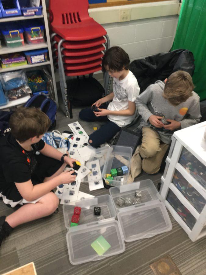 Mehr Schüler, die Cubelets verwenden